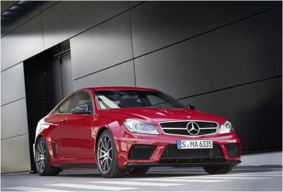 img_mercedes_benz_c63_amg_black_series_3.jpg | Image