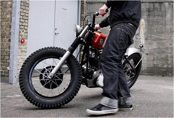 img_monkee_7_motorbike_3.jpg