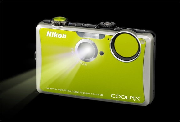 NIKON CAMERA WITH BUILT-IN PROJECTOR | Image