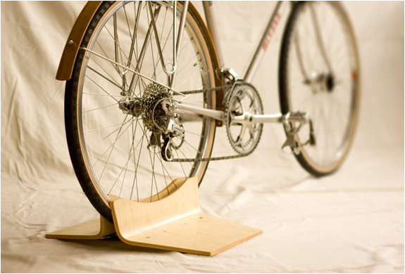 PINCH BIKE STAND | BY CLANK WORKS | Image