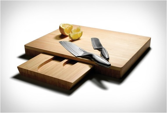 KNIVES AND CUTTING BOARD SET | Image