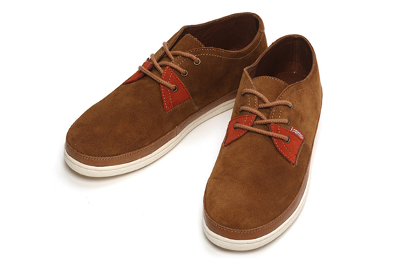 img_pointer_ajs_shoes_3.jpg