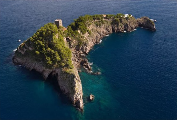 Property With 3 Islands And A Mansion For Sale Amalfi