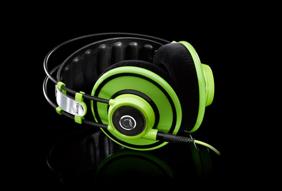 img_quincy_jones_headphones_3.jpg | Image