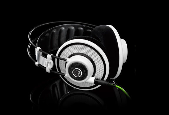 img_quincy_jones_headphones_4.jpg | Image