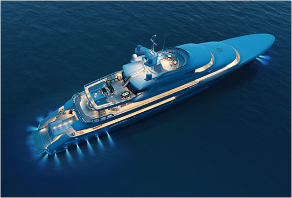 img_red_square_yacht_2.jpg