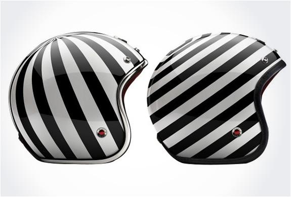 img_ruby_pavillon_helmets_4.jpg