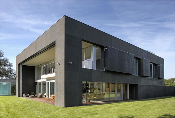 img_safe_house_kwk_promes_architects_3.jpg