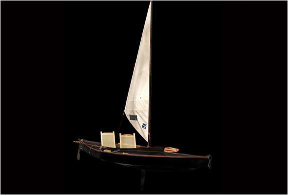 img_sailing_canoe_5.jpg