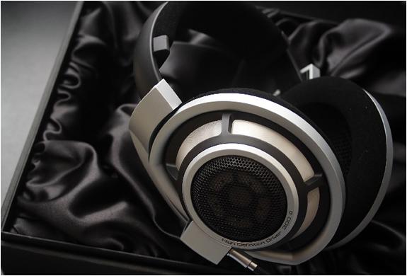 img_sennheiser_hd_800_headphones_3.jpg | Image