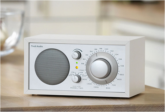 img_tivoli_radio_model_one.jpg | Image