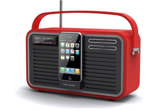 RETRO IPOD & IPHONE DOCK | BY VIEW QUEST | Image