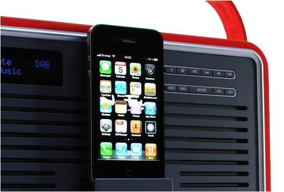 img_view_quest_ipod_retro_radio_dock_3.jpg | Image