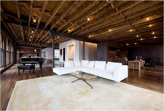 Stunning soho loft by dub studios for Loft soho new york