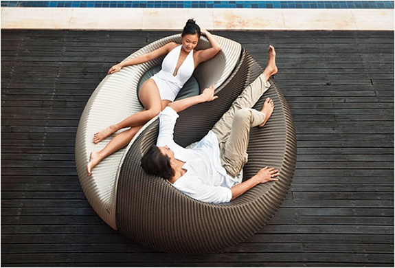 YIN YANG LOUNGING OUTDOOR CHAIR | BY DEDON | Image