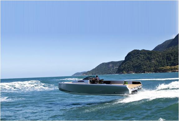 img_zonda42_boat_2.jpg