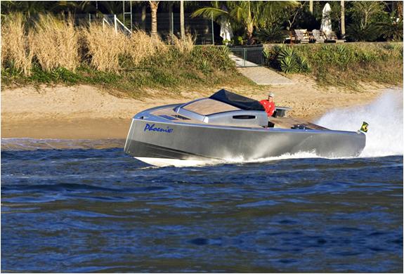 img_zonda42_boat_5.jpg