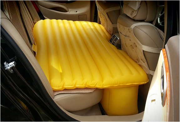 INFLATABLE CAR AIR MATTRESS | Image