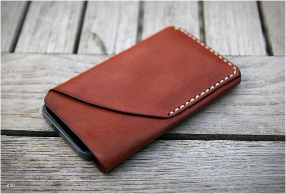 Iphone 5 Leather Sleeve & Card Holder | Image