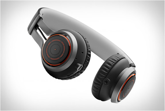 jabra-revo-wireless-headphones-3.jpg | Image