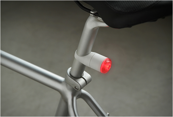 IFLASH ONE | MAGNETIC BIKE LIGHTS | Image