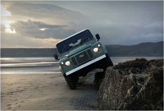 land-rover-defender-celebration-series-11.jpg