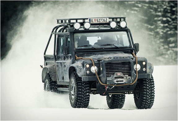 Land Rover Defender Spectre