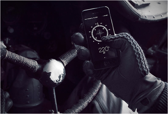 LEATHER CROCHET TOUCHSCREEN GLOVES | Image