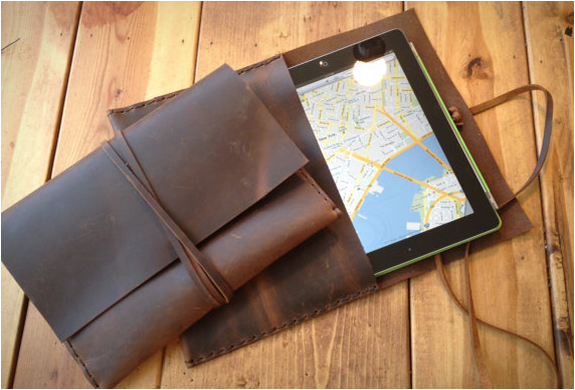 Leather Ipad Envelope | By Aixa | Image