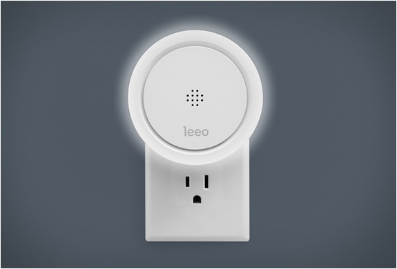 leeo_-smart-alert-nightlight-2.jpg | Image