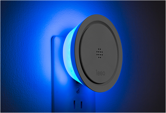 leeo_-smart-alert-nightlight-4.jpg | Image