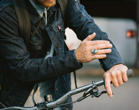 levis-commuter-trucker-jacket-with-jacquard-4.jpg | Image