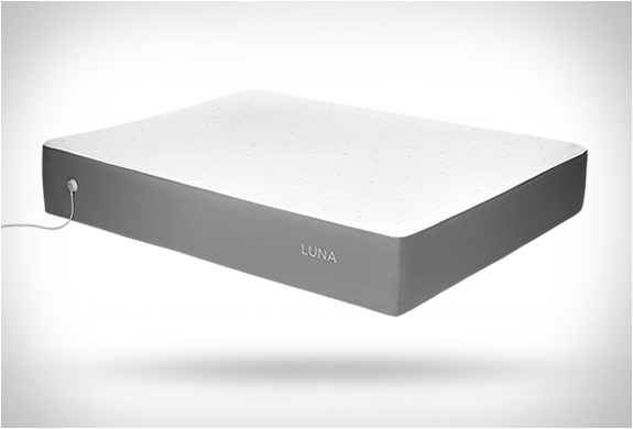 LUNA SMART MATTRESS COVER | Image