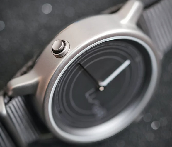 lunar-solar-powered-smartwatch-3.jpg | Image