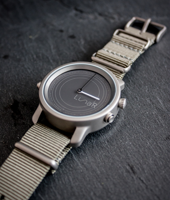 lunar-solar-powered-smartwatch-4.jpg | Image