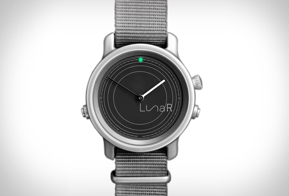 LunaR Solar Powered Smartwatch | Image