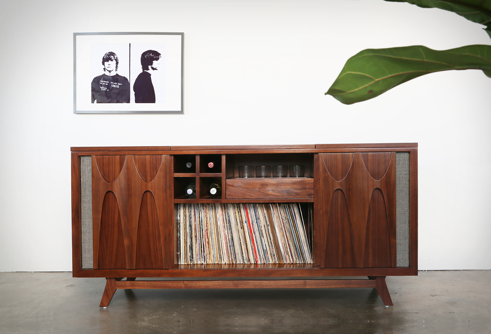 Luno Record & Whiskey Console | Image