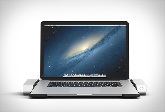 macbook-horizontal-dock-2.jpg | Image
