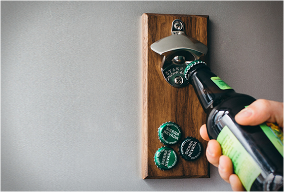 MAGNETIC BOTTLE OPENER | Image