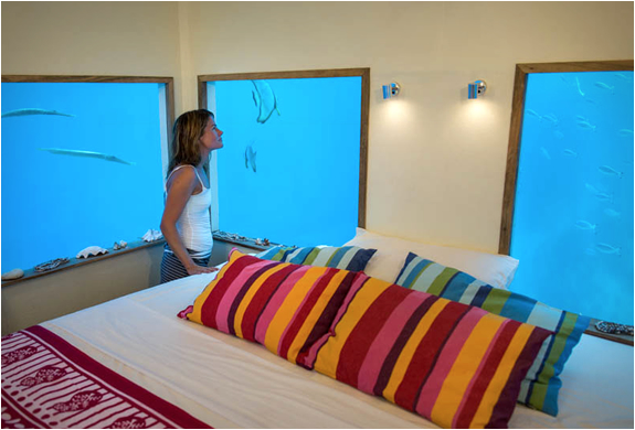 manta-resort-underwater-room-6.jpg