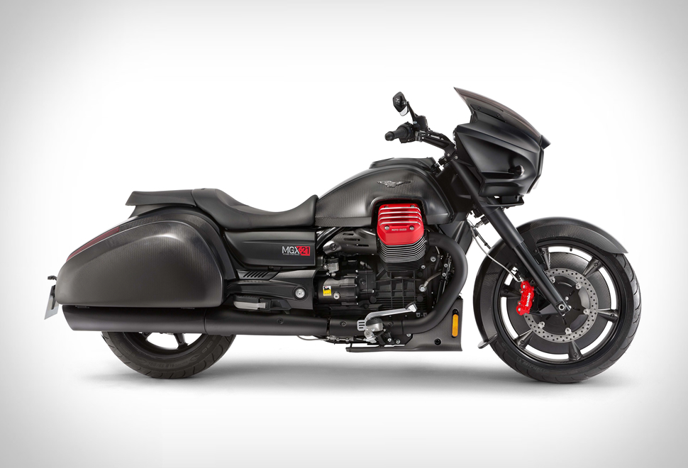 Moto Guzzi MGX-21 Flying Fortress | Image