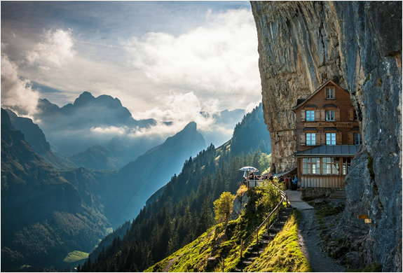 MOUNTAIN GUEST HOUSE | SWITZERLAND | Image
