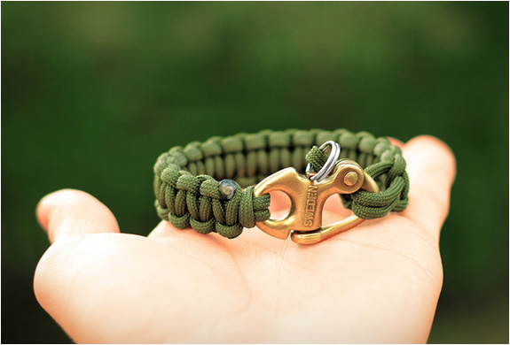 Naimakka paracord bracelets for Cool things to do with paracord