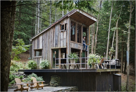 ONE-ROOM NEW YORK CABIN IN THE WOODS | Image