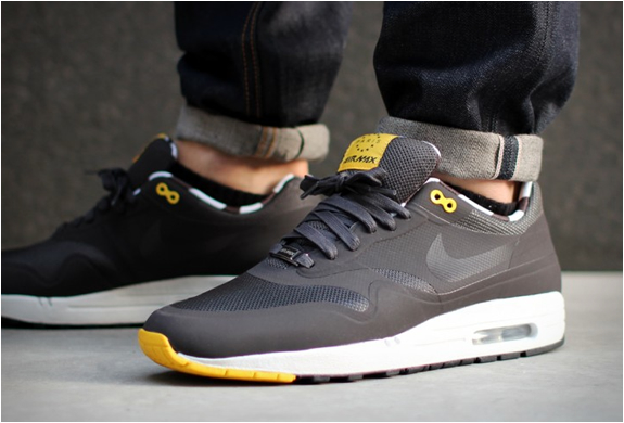 Nike Air Max 1 Home Turf Paris Qs | Image