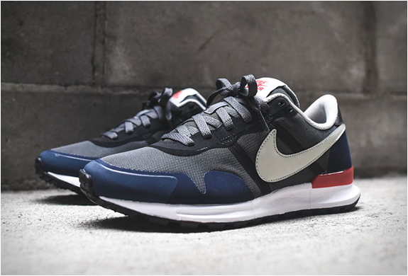 nike-air-pegasus-83-30-dark-grey-obsidian-7.jpg