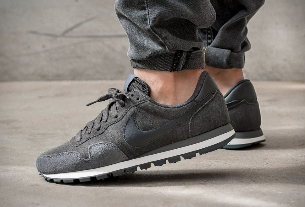 NIKE AIR PEGASUS 83 LEATHER | Image