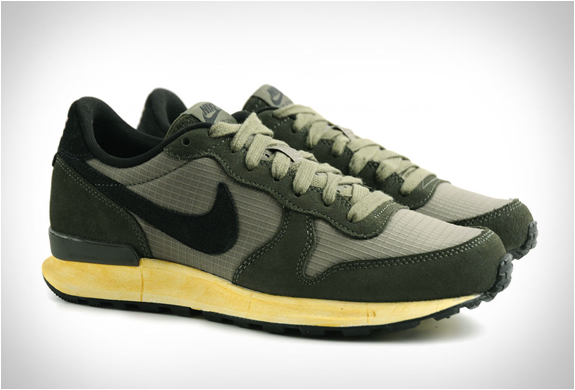 nike-air-solstice-olive-green-2.jpg