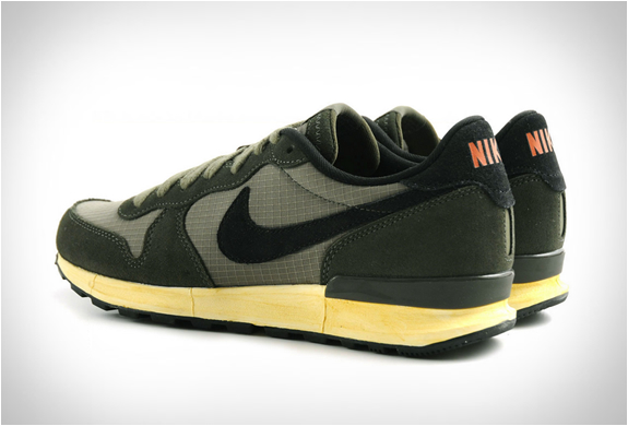 nike-air-solstice-olive-green-3.jpg