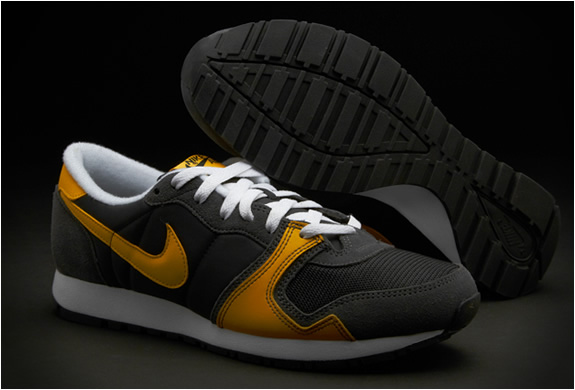 nike-air-vengeance-black-yellow-2.jpg | Image